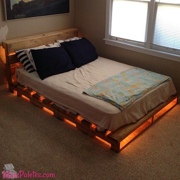 6 camas feitas com pallets e iluminadas. Black Bedroom Furniture Sets. Home Design Ideas