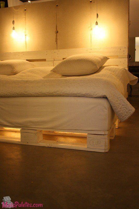 camas feitas de pallets com ilumina o 5 m veis de paletes. Black Bedroom Furniture Sets. Home Design Ideas