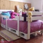 Cama de criança feita com pallets