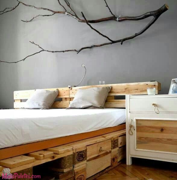 12 camas e as suas cabeceiras todas feitas com paletes de - Ideas de decoracion de interiores baratas ...