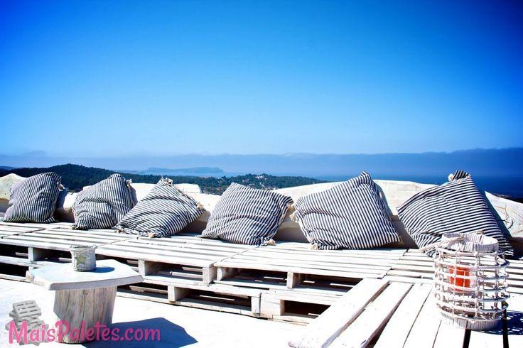9 espa os lounge incr veis feitos com paletes - Colchones para palets ...