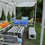 10 Espaços verdes com móveis de paletes