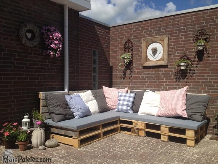 6 vantagens na re utiliza o de paletes no seu terra o for Sofa exterior barato