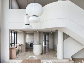 Dez novos interiores brancos que iluminam os espacos de convivencia