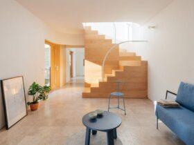 REDO Architects cria novo interior para Casa de Marionetes em