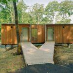 Garrison Architects completa o retiro Catskills com cabines elevadas