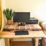 How to make a desk from pallets