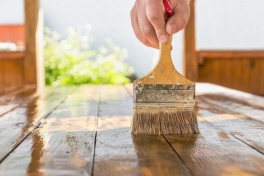 Como impermeabilizar madeira com resina 1